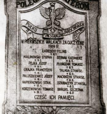 Tablica upamiętniająca powstańców wielkopolskich w Jarocinie