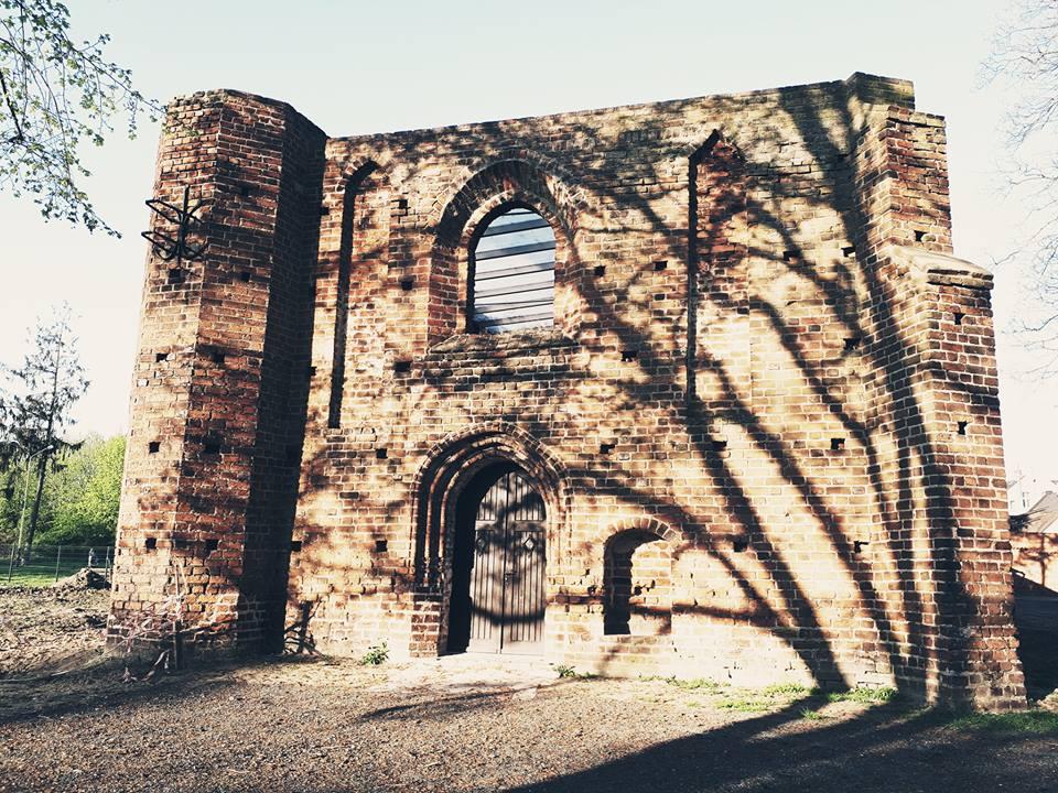 Ruiny kościoła pw. Św. Ducha w Jarocinie