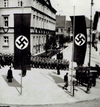 """Tomasz Cieślak, """"Zbrodnia funkcjonariuszy gestapo w ogrodzie dr. Jana Białasika, Pleszew 1939 r."""""""