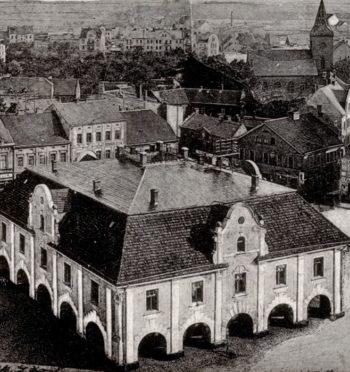 """Tomasz Cieślak, """"Mieszkańcy i miasto w XVII i XVIII w. Klęski i upadek Jarocina"""""""
