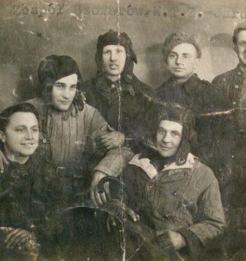 Z fotoalbumu żołnierza 4. Pułku Czołgów Ciężkich z Jarocina