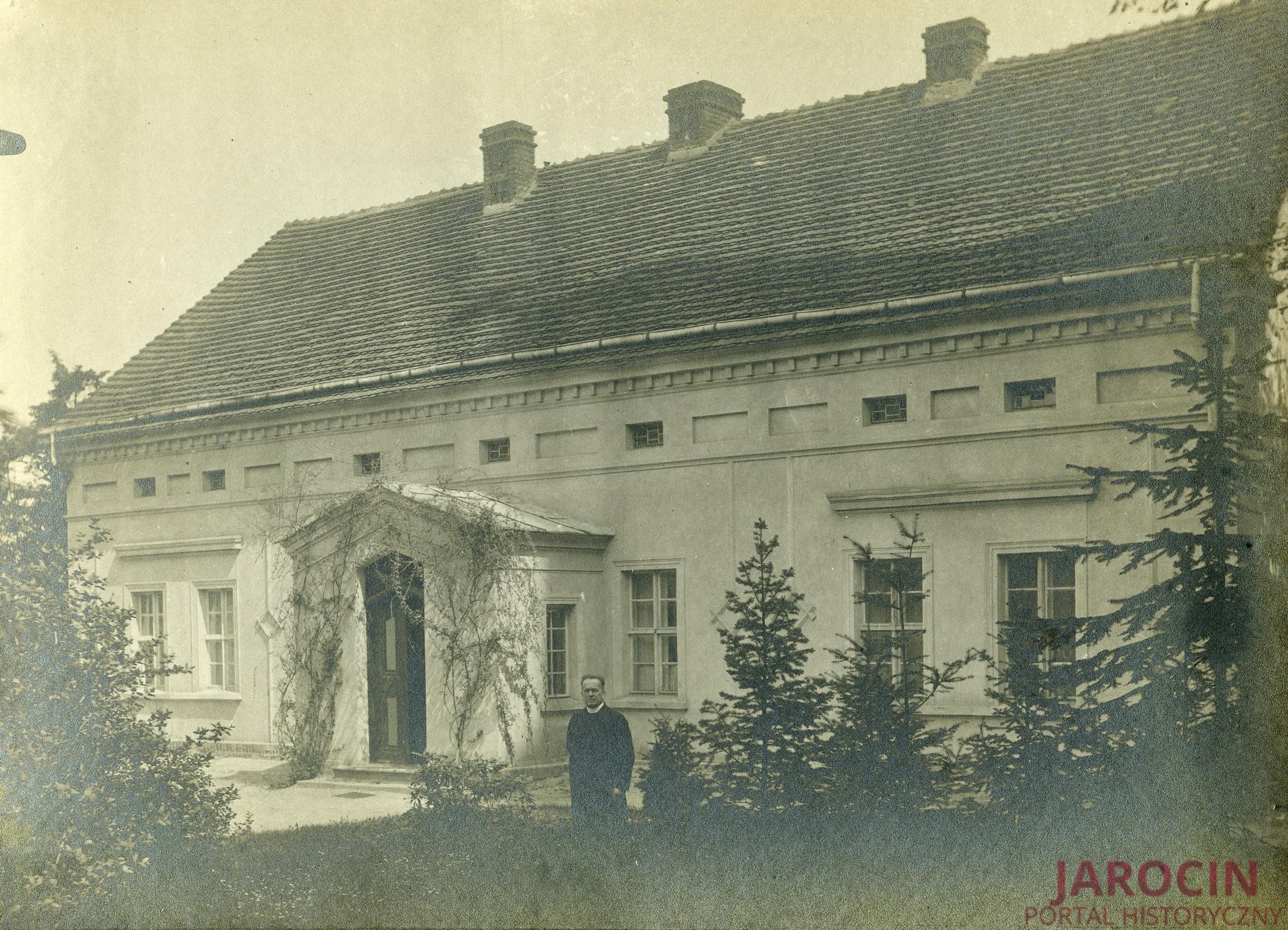 Ks. Ignacy Niedźwiedziński (1875-1941)